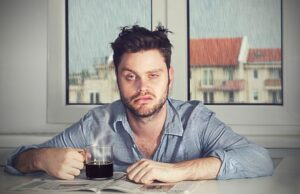 Explica ~ Why do you suffer more hangovers after 30?