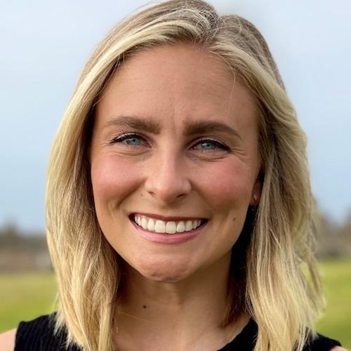 Erica Arnold, AMFT, APCC